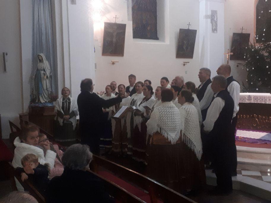 """Ogulin.eu Božićni koncert mješovitog vokalnog ansambla KUD-a Klek """"Oj pastiri nov' glas nosim"""""""