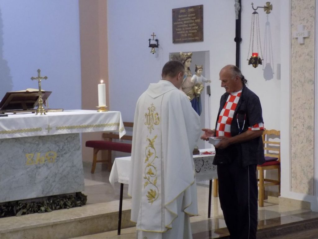 Ogulin.eu Održana misa za  branitelje u župnoj crkvi Uzašašća Isusova u Cerovniku