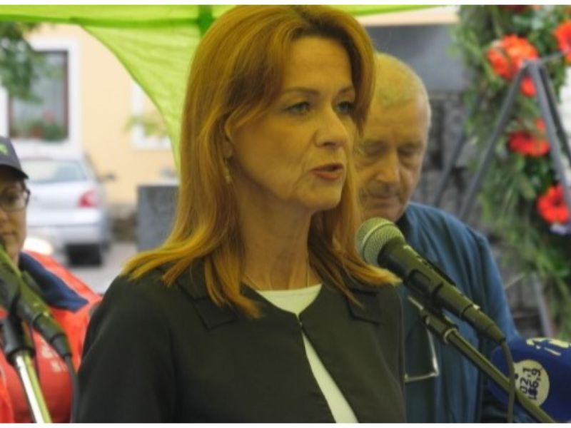 Ogulin.eu Iz Županije reagirali na uništavanje biste Franje Tuđmana u Ogulinu